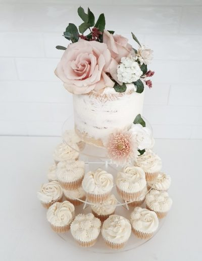 Sunshine Coast wedding cupcakes