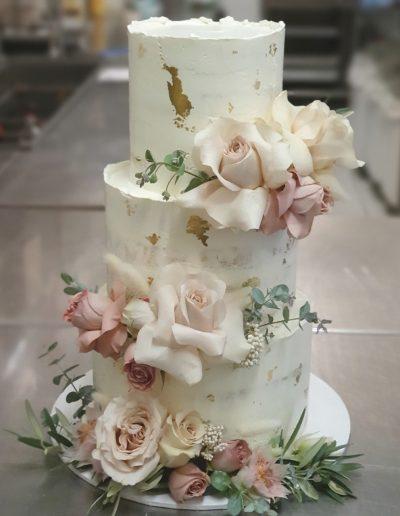 Cupcake Elegance Hinterland wedding cake FLaxton Gardens