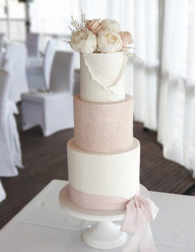 Sunshine Coast Wedding Cake a Cupcake Elegance
